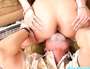 Teen babe spreads legs before doggystyling