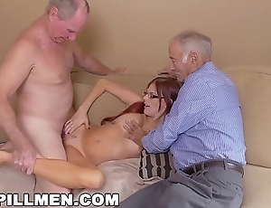 BLUE PILL MEN - Frankie And The Border Take a Trip Down Under Teen Zara Ryan