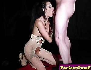 Blindfolded babe cocksucking until facial