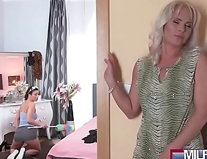 Hot Comme ‡a MILF Fucks Sexy Cleaner(Kathy Anderson &amp_ Vicky Love) 01 mov-16