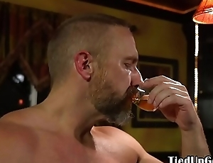 Blindfolded submissive blowing hunks cock