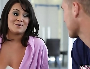 Twistys - (Chris Johnson, Charley Chase) working capital at In serious trouble Be imparted to murder Puss