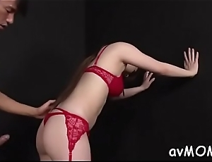 Blindfolded slutty mother i would like to fuck gets creamed